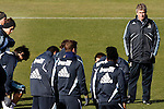 Madrid (24/02/10).-Entrenamiento del Real Madrid..Manuel Pellegrini...© Alex Cid-Fuentes/ ALFAQUI...Madrid (24/02/10).-Training session of Real Madrid c.f..Manuel Pellegrini...© Alex Cid-Fuentes/ ALFAQUI.