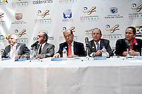 BOGOTA - COLOMBIA - 20-02-2013: Baltazar Medina (Izq.), Presidente del Comité Olimpico Colombiano, Andrés Botero (2Izq.) Director de Coldeportes, Rodrigo Guerrero (Cent.) Alcalde de Cali, Rodrigo Otoya (2Der.), Presidente del Comité organizador de los Juegos Mundiales y Susana Correa (Der.) Directora Ejecutiva de los Juegos Mundiales, durante presentación en Bogotá de Los Juegos Mundiales Cali 2013. (Foto: VizzorImage / Luis Ramírez / Staff).  Baltazar Medina (left), President of the Colombian Olympic Committee, Andres Botero (2L) Coldeportes Director, Rodrigo Guerrero (C) Mayor of Cali, Rodrigo Otoya (2R), President of the Organizing Committee of the World Games and Susana Correa (R) CEO of the World Games, during the presentation in Bogota of the Cali World Games 2013. (Photo: VizzorImage / Luis Ramirez / Staff)...