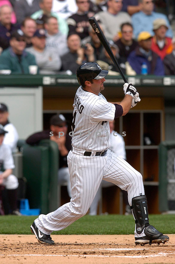 PAUL KONERKO, of the Chicago White Sox, in action during their series against the Cleveland Indians in Chicago, IL....CHRIS BERNACCHI/ SPORTPICS..