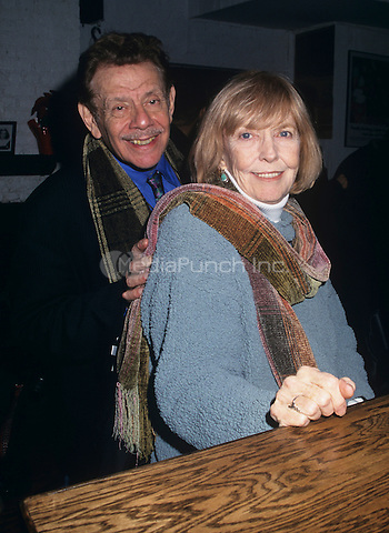 Jerry Stiller and Anne Meara at the Threepenny opera a one-off performance at the Lucille Lortel Theatre on December 18th, 2000 in New York City.  © Marzullo/MediaPunch.