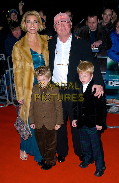 TONY SCOTT & FAMILY.Deja Vu UK film premiere, Odeon Kensington, London, UK..December 7th, 2006.full length brown fur coat kids pink baseball cap hat.CAP/CAN.©Can Nguyen/Capital Pictures