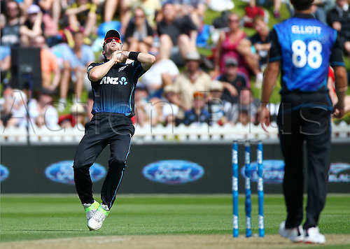 25.01.2016. Basin Reserve, Wellington, New Zealand. New Zealand versus Pakistan One Day International Cricket. Matt Henry catches out Azhar Ali off the bowling of Grant Elliott during the 1st ODI cricket match between the New Zealand Black Caps and Pakistan