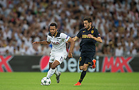 Mousa Dembele of Tottenham Hotspur battles Bernardo Silva of Monaco during the UEFA Champions League Group stage match between Tottenham Hotspur and Monaco at White Hart Lane, London, England on 14 September 2016. Photo by Andy Rowland.
