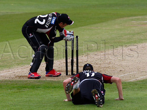 04.05.2012. Brit Oval, London, England.  Craig Kieswetter of Somerset County Cricket and Jamie Overton of Somerset County Cricket..during the Clydesdale Bank Pro40 match between Surrey and Somerset  at The Brit Oval on May 04, 2012 in London, England.........................