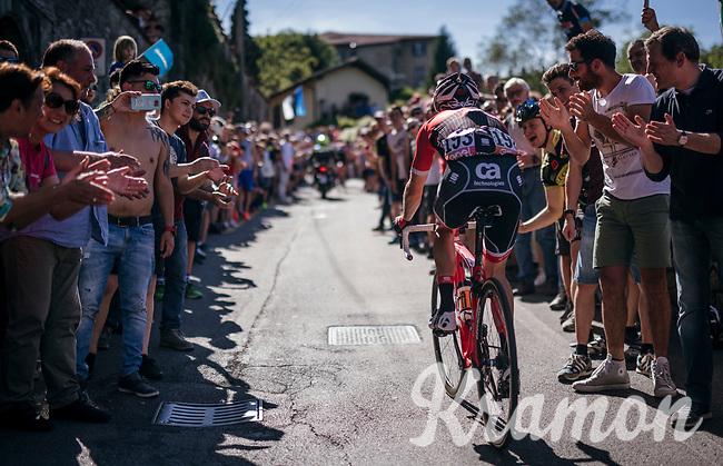 Julien Bernard (FRA/Trek-Segafredo) cheered on towards the Citt&agrave; Alta in bergamo<br /> <br /> Stage 15: Valdengo &rsaquo; Bergamo (199km)<br /> 100th Giro d'Italia 2017