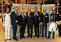 Festveranstaltung zum 200. Jubiläum der Völkerschlacht bei Leipzig im Jahr 2013 - Neue Messe Leipzig - im Bild: zwei Soldaten (rechts Preuße / links Franzose) zusammen mit Volker Rodekamp (2.v.r.), Kurt Biedenkopf ( 3.v.l.) , Stanislaw Tillich (Mitte), Burkhard Jung und Messechef Martin Buhl-Wagner (2.v.l.).  Foto: aif / Norman Rembarz..Jegliche kommerzielle wie redaktionelle Nutzung ist honorar- und mehrwertsteuerpflichtig! Persönlichkeitsrechte sind zu wahren. Es wird keine Haftung übernommen bei Verletzung von Rechten Dritter. Autoren-Nennung gem. §13 UrhGes. wird verlangt. Weitergabe an Dritte nur nach  vorheriger Absprache. Online-Nutzung ist separat kostenpflichtig..