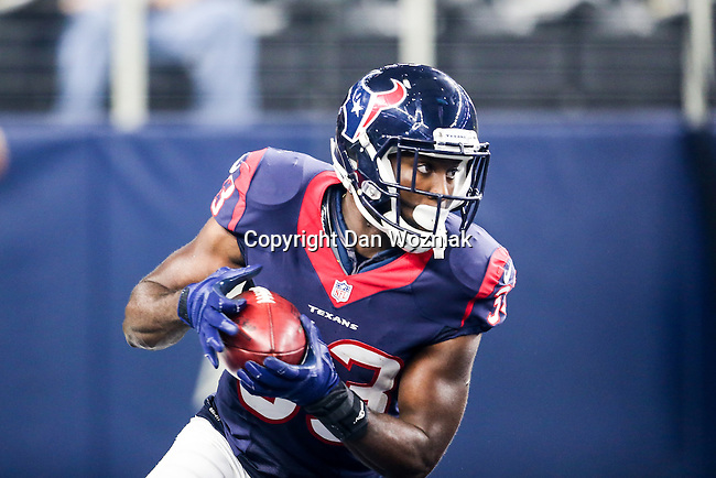Houston Texans running back Akeem Hunt (33) in action during the pre-season game between the Houston Texans and the Dallas Cowboys at the AT & T stadium in Arlington, Texas.