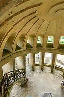 France, Indre-et-Loire (37), Amboise, la pagode de Chanteloup, le rez de chaussée et le plafond en voute