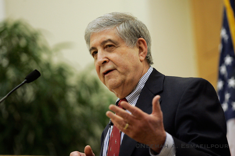"Mickey Edwards, former Republican Congressman from Oklahoma, talks to the Clinton School of Public Service about his book, ""Reclaiming Conservatism"" Thursday, March 19, 2009 in Little Rock, Arkansas."