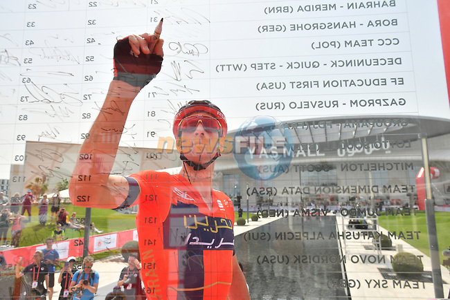 Vincenzo Nibali (ITA) Bahrain-Merida signs on before the start of Stage 2 of the 2019 UAE Tour, running 184km form Yas Island Yas Mall to Abu Dhabi Breakwater Big Flag, Abu Dhabi, United Arab Emirates. 25th February 2019.<br /> Picture: LaPresse/Massimo Paolone | Cyclefile<br /> <br /> <br /> All photos usage must carry mandatory copyright credit (© Cyclefile | LaPresse/Massimo Paolone)