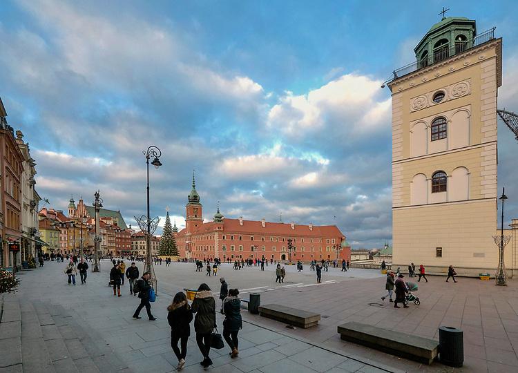 Wieża widokowa na placu Zamkowym w Warszawie, Polska<br /> Lookout tower at the Castle Square in Warsaw, Poland