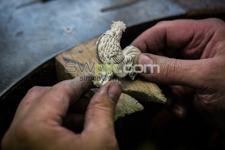 SWPix - RLWC2021 have commissioned for a Cockerel to be manufactured by famous Trophy makers Fattorini's, which will be placed back on the tournament Trophy... Pictures taken on 25th September 2018, at Thomas Fattorini Ltd, Regent St, Birmingham... Silversmith Richard Haynes COPYRIGHT PICTURE SWpix.com Picture by Will Johnston/SWpix.com - Project Cockerel Rugby League World Cup Trophy Fattorini, Birmingham