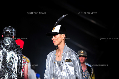 October 17, 2012, Tokyo, Japan - A model poses on the catwalk wearing ''DRESSCAMP'' during Mercedes-Benz Fashion Week Tokyo 2013 Spring/Summer. The Mercedes-Benz Fashion Week Tokyo runs from October 13-20. (Photo by Yumeto Yamazaki/AFLO)