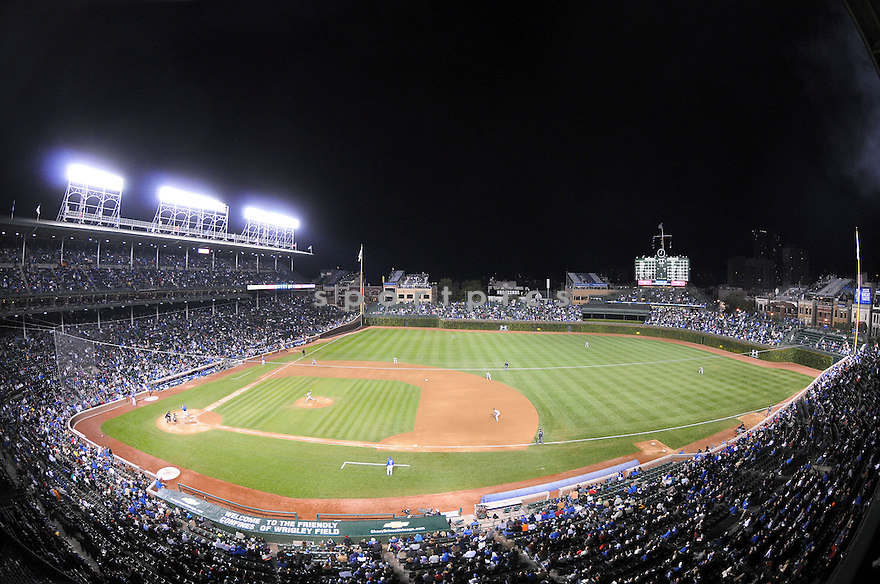 An overall view of Wrigley Field in Chicago, IL, during a game between the Chicago Cubs and the Pittsburgh Pirates on September 30, 2009. (AP Photo/Chris Bernacchi)