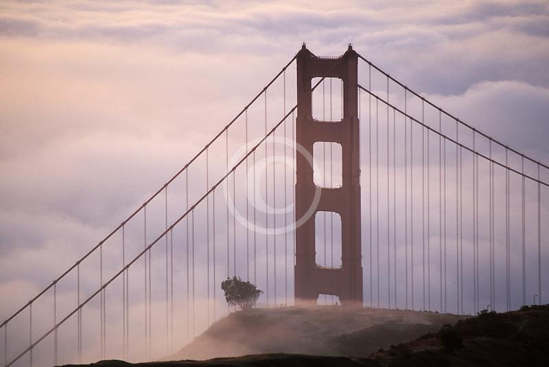California, Marin County, Golden Gate Bridge from Marin Headlands