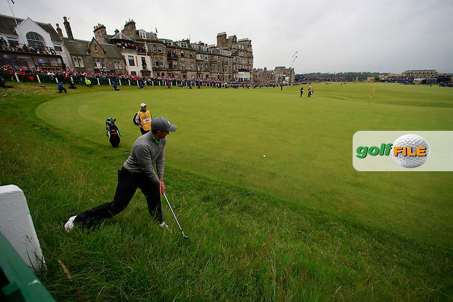 Paul DUNNE (IRL) (a) on the 18th during the final round on Monday of the 144th Open Championship, St Andrews Old Course, St Andrews, Fife, Scotland. 20/07/2015.<br /> Picture: Golffile | Fran Caffrey<br /> <br /> <br /> All photo usage must carry mandatory copyright credit (&copy; Golffile | Fran Caffrey)