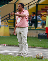 FLORIDABLANCA -COLOMBIA, 09-07-2016. Harold Rivera director técnico del Patriotas FC.Acción de juego  entre los equipos Bucaramanga  y Patriotas FC  durante encuentro  por la fecha 2 de la Liga Aguila II 2016 disputado en el estadio Alvaro Gomez Hurtado./ Harold Rivera coach of Patriotas FC Actions game between Bucaramanga and Patriotas FC  during match for the date 2 of the Aguila League II 2016 played at Alvaro Gomez Hurtado stadium . Photo:VizzorImage / Duncan Bustamante / Contribuidor