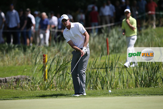 Nicolas Colsaerts (BEL) chips to the 9th pin during Round Two of the 2015 BMW International Open at Golfclub Munchen Eichenried, Eichenried, Munich, Germany. 26/06/2015. Picture David Lloyd | www.golffile.ie