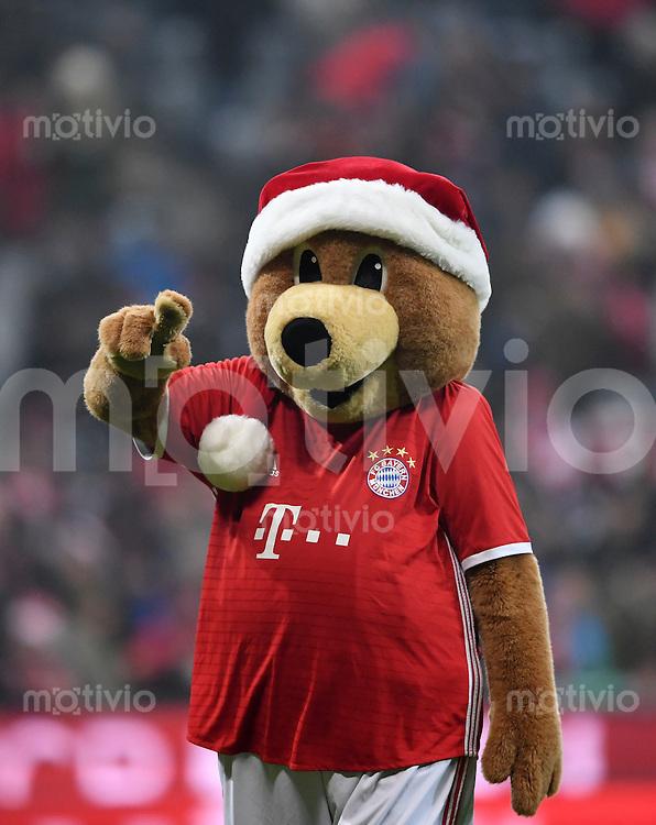 Fussball  1. Bundesliga  Saison 2016/2017  16. Spieltag  FC Bayern Muenchen - RB Leipzig        21.12.2016 Maskottechen Berni (FC Bayern Muenchen)