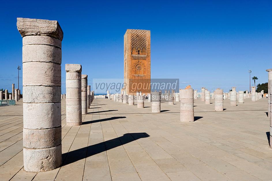 Afrique/Afrique du Nord/Maroc/Rabat: Ruines de la Mosquée Hassan et Tour Hassan - les colonnes et le minaret - Tour Hassan