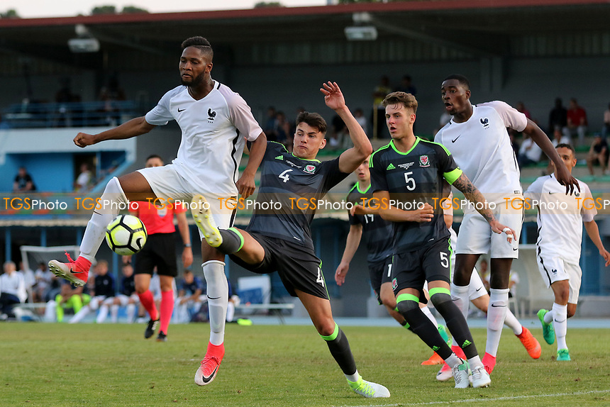 Regan Poole of Wales just manages to kick the ball away to thwart another France attack during France Under-20 vs Wales Under-20, Toulon Tournament Football at Stade de Lattre-de-Tassigny on 30th May 2017