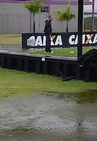 SAO PAULO, 22 DE FEVEREIRO DE 2013. - Treino do Corinthians  - , Tite observa treino depois que chuva alagou CT joaquin Grava na zona leste de São Paulo, na tarde desta sexta feira , 22. (FOTO: ALAN MORICI / BRAZIL PHOTO PRESS).