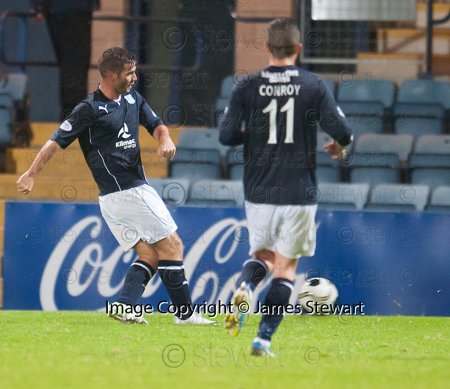 Dundee's Peter MacDonald scores their third goal.