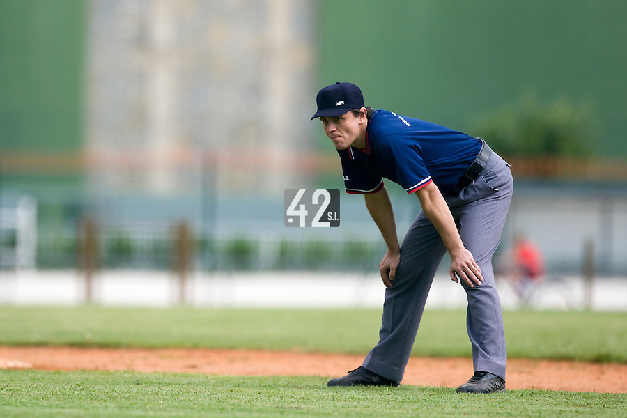 BASEBALL - EUROPEAN UNDER -21 CHAMPIONSHIP - PAMPELUNE (ESP) - 03 TO 07/09/2008 - PHOTO : CHRISTOPHE ELISE .BELGIUM VS FRANCE (WINNER 7-3) - UMPIRE KROUPA