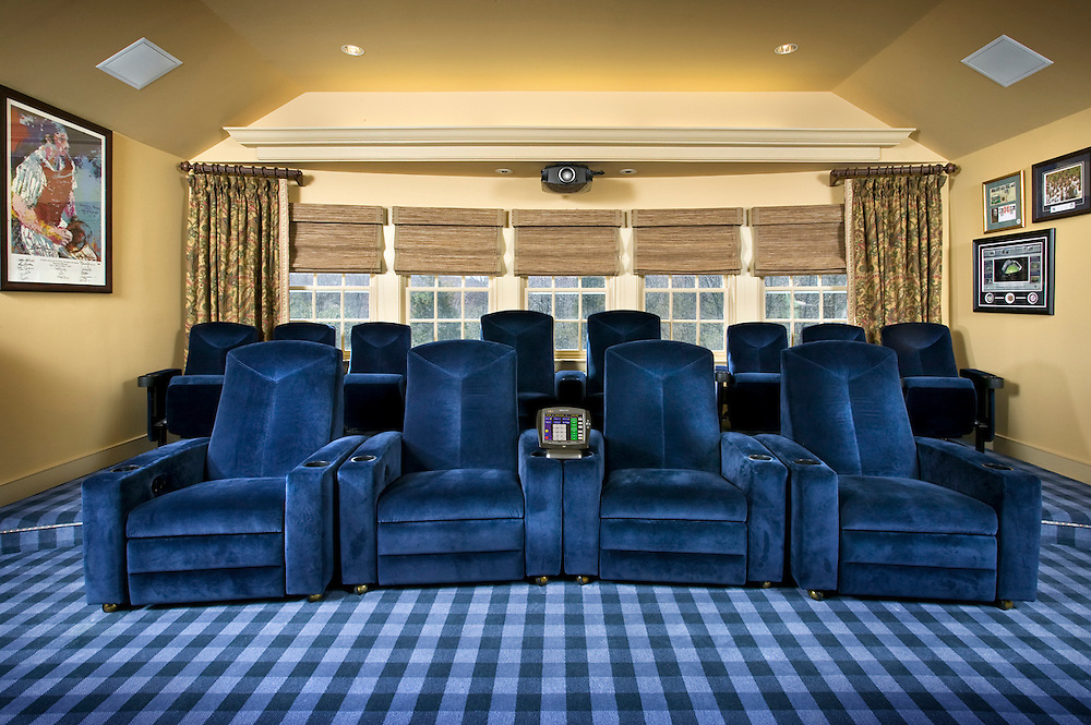 Platform Theater Seating For Family Entertainment