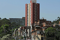 SAO PAULO, SP, 28 DE NOVEMBRO 2012 - ATENCAO EDITOR FOTO EMBARGADA PARA VEICULO INTERNACIONAL- HAITIANA ENCONTRADA MORTA NO TELHADO DO HOSPITAL - Uma haitiana, de 39 anos, foi encontrada morta no telhado do Hospital Heliópolis, na zona sul de São Paulo, no domingo (25).  A mulher aguardava cirurgia, quando desapareceu do quarto onde estava internada.(FOTOS:AMAURI NEHN/BRAZIL PHOTO PRESS)