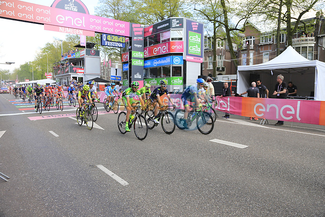 Huge crowds on the finishing circuit in Nijmegen during Stage 2 of the 2016 Giro d'Italia running 190km from Arnhem to Nijmegen, The Nethrerlands. 7th May 2016.<br /> Picture: Eoin Clarke | Newsfile<br /> <br /> <br /> All photos usage must carry mandatory copyright credit (&copy; Newsfile | Eoin Clarke)