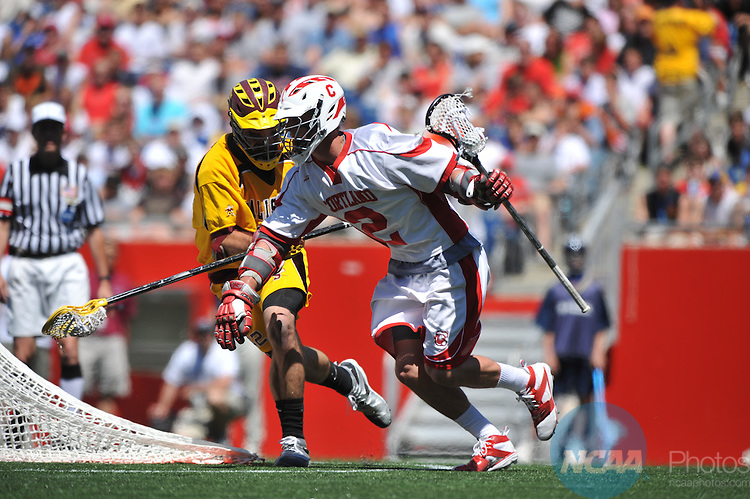 25 MAY 2008: Ben Sandlin (42) of Salisbury University and Ryan Heath (2) of Cortland State University battle for the ball during the Division III Men's Lacrosse Championship held at Gillette Stadium in Foxborough, MA.  Salisbury defeated Cortland State 19-13 for the national title. Larry French/NCAA Photos