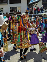 beim Umzug des Nassereither Schellerlauf, Fasnacht in Nassereith, Bezirk Imst, Tirol, &Ouml;sterreich, Europa, immaterielles UNESCO Weltkulturerbe<br /> parade of  Nassereither Schellerlauf-Fasnacht, Nassereith, Tyrol, Austria Europe, Intangible World Heritage