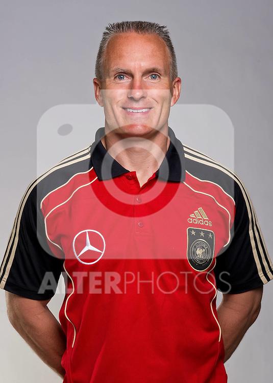 02.06.2010, Commerzbank-Arena, Frankfurt, GER, FIFA Worldcup, Spielerportraits, im Bild Marc Verstegen - Fitnesscoach Foto © nph / Kokenge