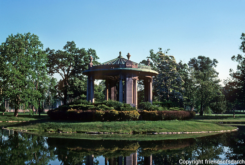 St. Louis: Forest Park. Nathan Frank Bandstand. Helpensteller, Hirsch & Watson, 1925. Photo '77.