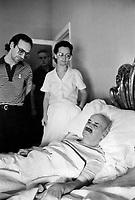 CIRILLO<br /> Morto Ciro Cirillo politico della DC rapito dalle Brigate Rosse nel 1981  e liberato dopo una presunta trattativa DC BR con la mediazione  di Cutolo <br /> Nella foton dopo la liberazione<br /> foto AGN