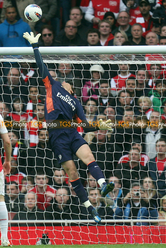 Wojciech Szczesny of Arsenal pushes a shot over the bar -  Arsenal - Manchester City at the Emirates Stadium - 08/04/12 - MANDATORY CREDIT: Dave Simpson/TGSPHOTO - Self billing applies where appropriate - 0845 094 6026 - contact@tgsphoto.co.uk - NO UNPAID USE.