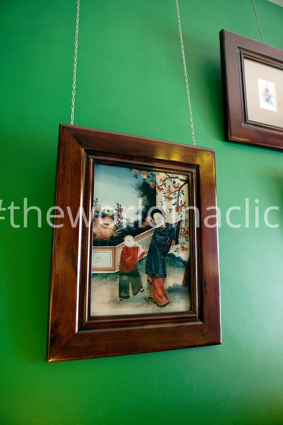 VIETNAM, Saigon, Ho Chi Minh City, Verlim Interiors aka Minh Kha, Co 41 Ho Tung Mau, District 1, Chinese 19th century painting on glass
