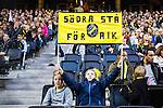 Solna 2015-10-04 Fotboll Allsvenskan AIK - Malm&ouml; FF :  <br /> Ung AIK-supporter med en flagga inf&ouml;r matchen mellan AIK och Malm&ouml; FF <br /> (Foto: Kenta J&ouml;nsson) Nyckelord:  AIK Gnaget Friends Arena Allsvenskan Malm&ouml; MFF supporter fans publik supporters