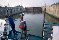 - navigation on Po river, lock of Volta Grimana (Rovigo)<br /> <br /> - navigazione sul fiume Po, chiusa di Volta Grimana (Rovigo)