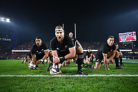 AUCKLAND, NEW ZEALAND - JULY 08:  Kieran Read (centre) of the All Blacks and his teammates perform the Haka prior to kickoff during the third test match between the New Zealand All Blacks and the British & Irish Lions at Eden Park in Auckland, New Zealand on Saturday, 8 July, 2017.  (Photo by Hannah Peters / POOL)
