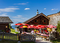 Oesterreich, Salzburger Land,  bei Abtenau: Jausenstation im Wandergebiet Postalm, Oesterreichs groesstes Almengebiet | Austria, Salzburger Land, near Abtenau: mountain Inn at Postalm hiking region, Austria's largest alpine pasture