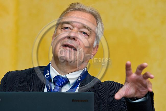 BRUSSELS - BELGIUM - 24 September 2014 -- 7th Confederation of European Waste-to-Energy Plants (CEWEP) Waste-to-Energy Congress 2014 - Local Energy from Local Waste - Affordable, Secure & Sustainable. -- Keynote speech Karl F. Falkenberg, European Commission. -- PHOTO: Juha ROININEN / EUP-IMAGES