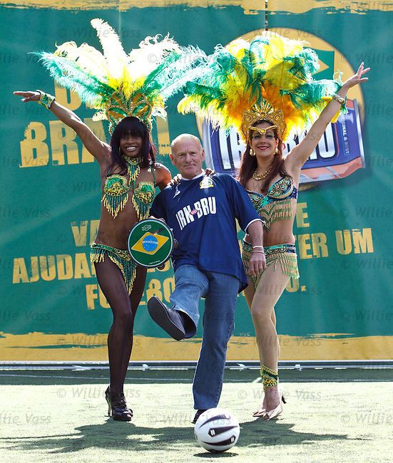 Archie Gemmill launches Bruzil campaign with Brazilian Samba Dancers