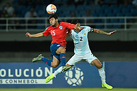 PEREIRA - COLOMBIA, 24-01-2020: Raimundo Rebolledo de Chile disputa el balón con Patricio Perez de Argentina durante partido entre Chile y Argentina por la fecha 3, grupo A, del CONMEBOL Preolímpico Colombia 2020 jugado en el estadio Hernán Ramírez Villegas de Pereira, Colombia. / Raimundo Rebolledo of Chile fights the ball with Patricio Perez of Argentina during the match between Chile and Argentina for the date 3, group A, for the CONMEBOL Pre-Olympic Tournament Colombia 2020 played at Hernan Ramirez Villegas stadium in Pereira, Colombia. Photos: VizzorImage / Julian Medina / Cont
