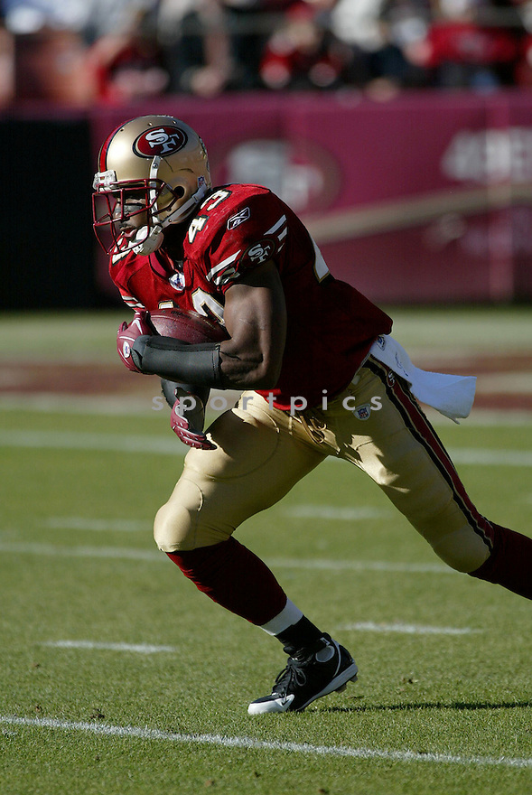 MAURICE HICKS, of the San Francisco 49ers  in action during the 49ers game against the Tampa Bay Buccaneers on December 23, 2007 in San Francisco, California...49ER win 27-7..SportPics