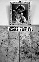 2006 Chennai(Tamil Nadu)<br /> <br /> Portrait of Jesus in a walkl of a guest house.<br /> <br /> Portrait de Jesus sur le mur d'une guest house(&quot;liberez vous des castes  JESUS CHRIST &quot;)