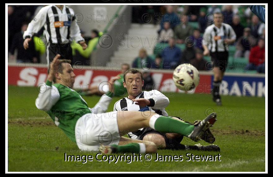 16/02/2002                 Copyright Pic : James Stewart .Ref :     .File Name : stewart-hibs v dunfermline 05.DEREK TOWNSLEY AND DAVIE NICHOLS CHALLENGES FOR THE BALL........James Stewart Photo Agency, Stewart House, Stewart Road, Falkirk. FK2 7AS      Vat Reg No. 607 6932 25.Office     : +44 (0)1324 630007     .Mobile  : + 44 (0)7721 416997.Fax         :  +44 (0)1324 630007.E-mail  :  jim@jspa.co.uk.If you require further information then contact Jim Stewart on any of the numbers above.........