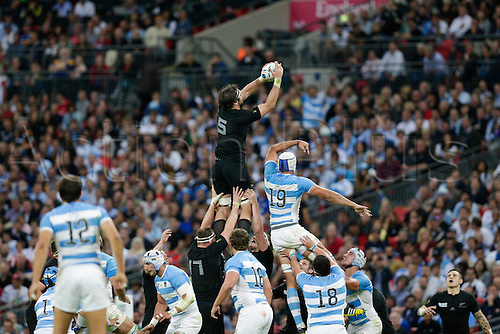 20.09.2015. London, England. Rugby World Cup. New Zealand versus Argentina.  New Zealand second row Sam Whitelock wins a lineout