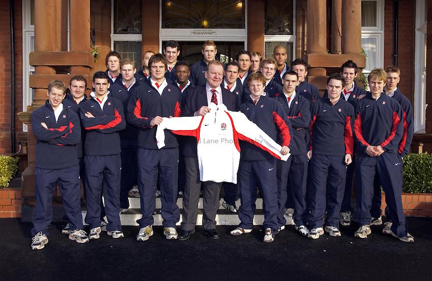Photo. Jed Wee..England U19 v Scotland U19, U19 Six Nations Championship, Woodlands Stadium, Lytham St Annes. 16/01/2004..Bill Beaumont (C) with the England U19 team.